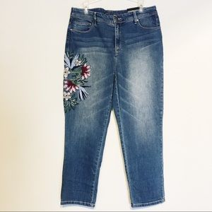 Chico's Girlfriend Crop So Slimming Jeans 1.5